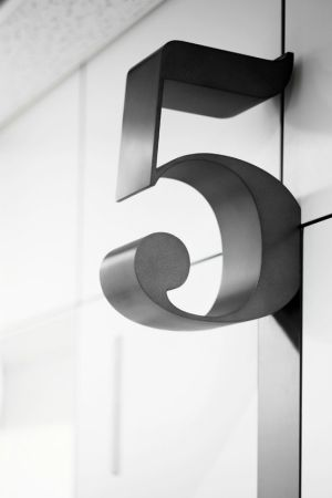 house number, 5 by hannahmnt