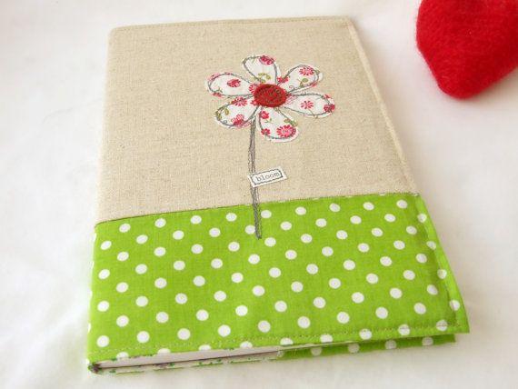 Geborduurd textiel boekenkaft met applique bloem - met A5 hardcover noteboek