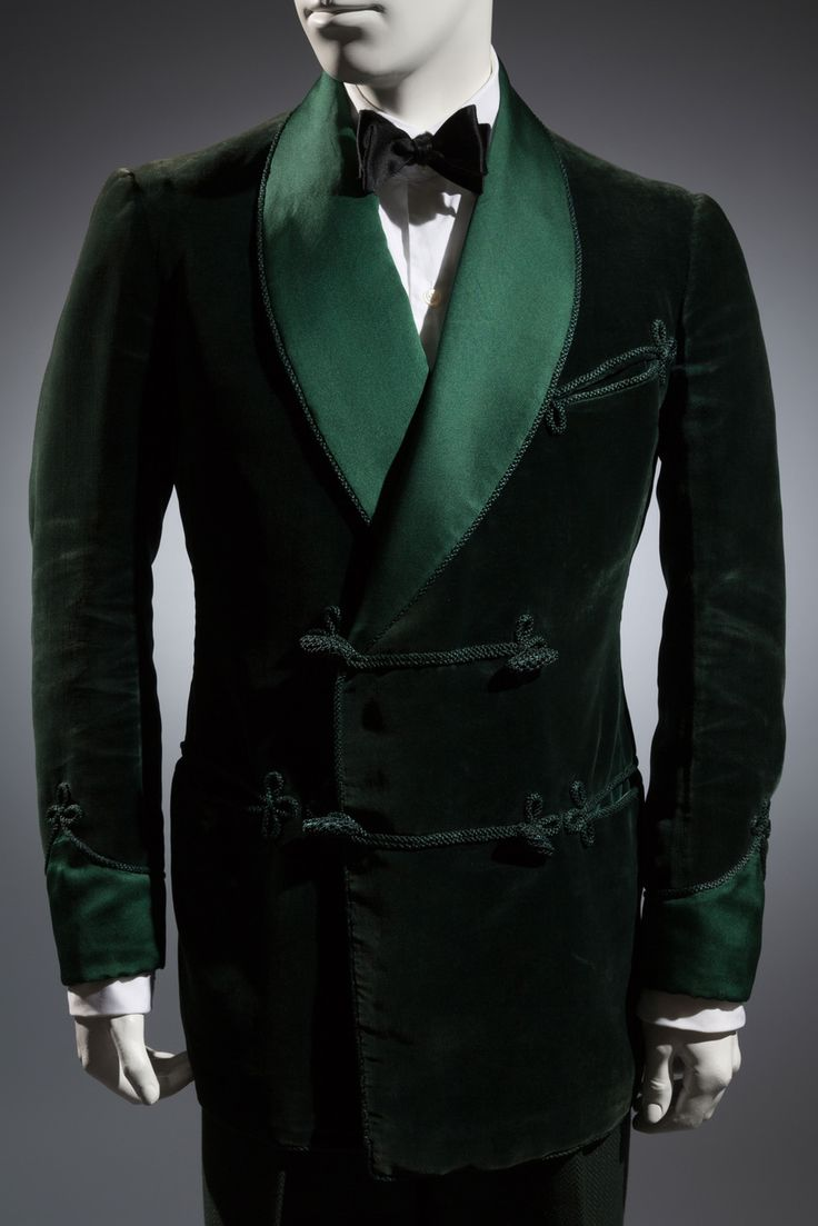 Gardner and Wooley LTD Smoking jacket, Green velvet, satin 1936, London Collection of Alan Bennett, Davies and Son Photo: Eileen Costa/The Museum at FIT   - The Cut