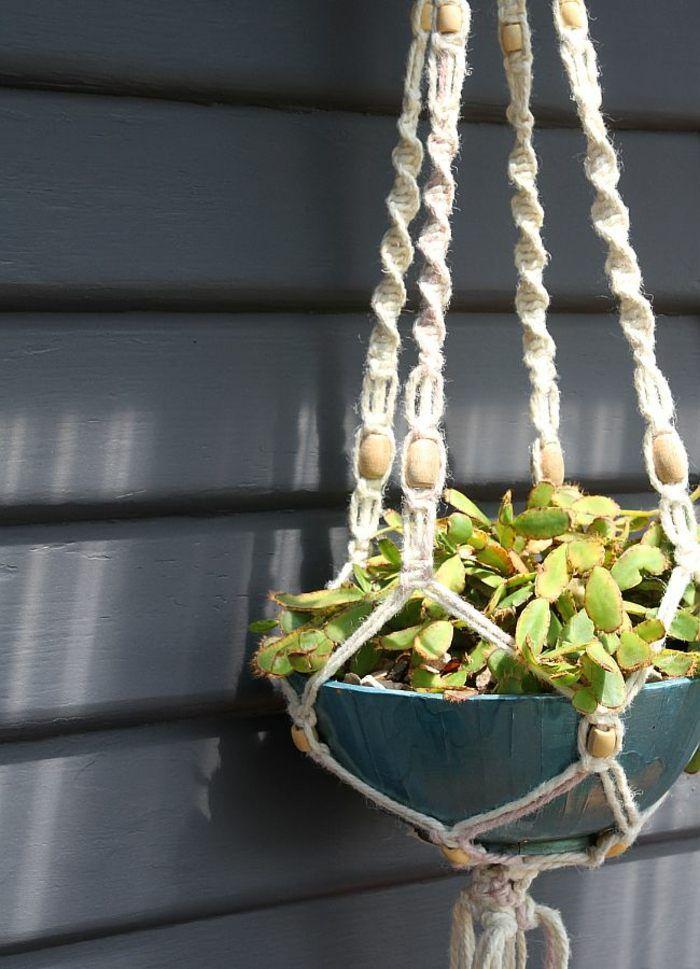 pot suspendu en macramé et suspension pour plante