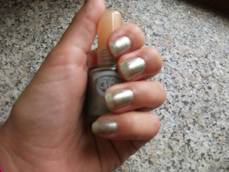 Tartaruga Zeta Fashion & Beauty: Smalto della settimana - Manicure of the week #beautyblogger #beauty #beautyproduct #manicure #nailpolish #smalto #unghie #nails @chresy