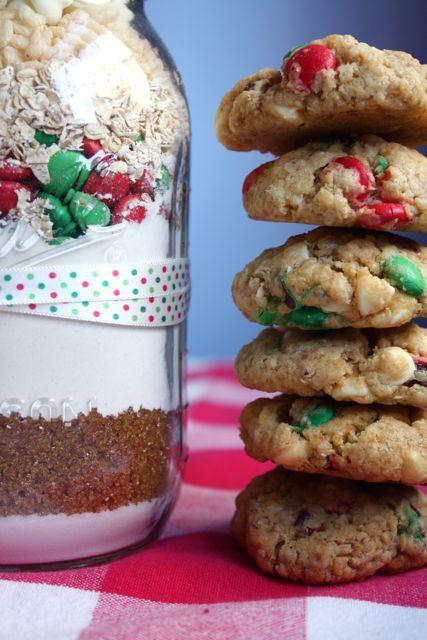 Christmas Crunch Cookies in a Jar