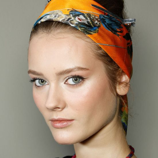 Cool Ways to Tie a Head Scarf How To Tie A Headscarf Women