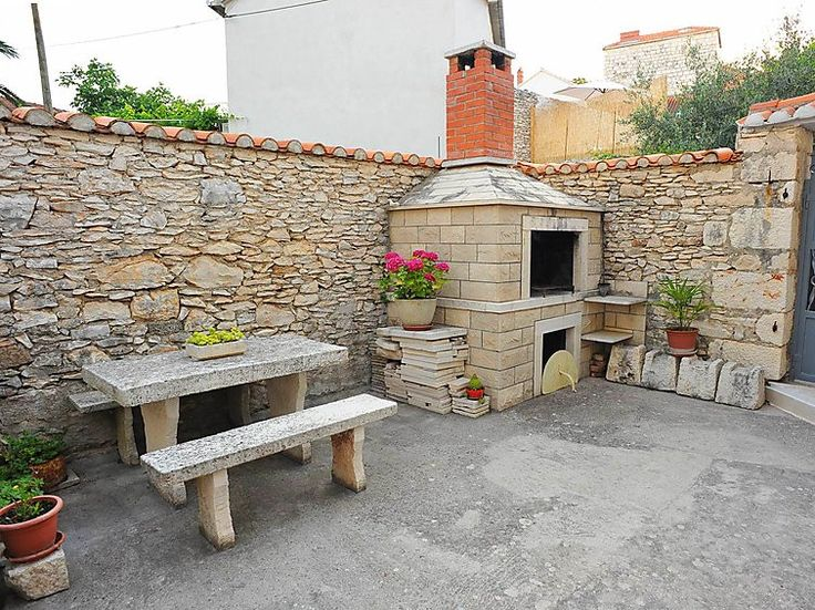 Central Dalmatia/Islands, Brač/Sutivan apartment, Sutivan, Croatia.