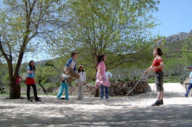 Diversión asegurada para los más pequeños: http://www.viajarenfamilia.net/viajes/vacaciones-en-granja-escuela/