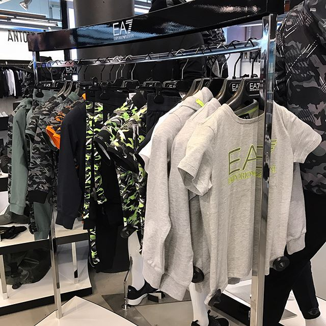 #ArmaniEA7 #junior @ #Armani Shop-in-Shop @ #HermanSchoenen #DenHaag #kids #boys #EA7 #newcollection #Herman #TheHague #sports #sportswear #training #HermanSchoenenNL #cool #brands #instacool