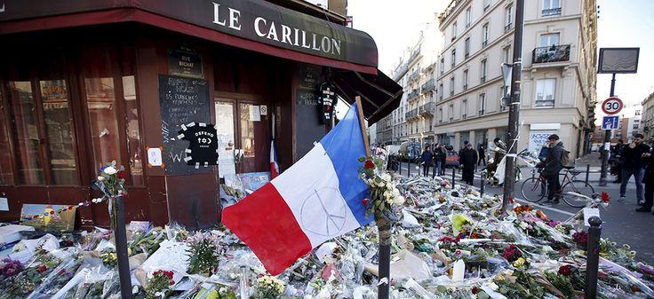 France. Devant le café Le Carillon, le 22 novembre 2015. REUTERS/Charles Platiau.