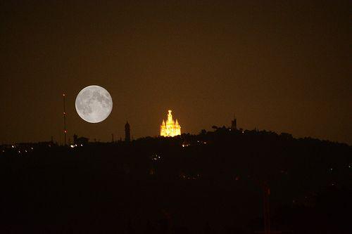 Lluna Plena-Tibidabo. Barcelona.