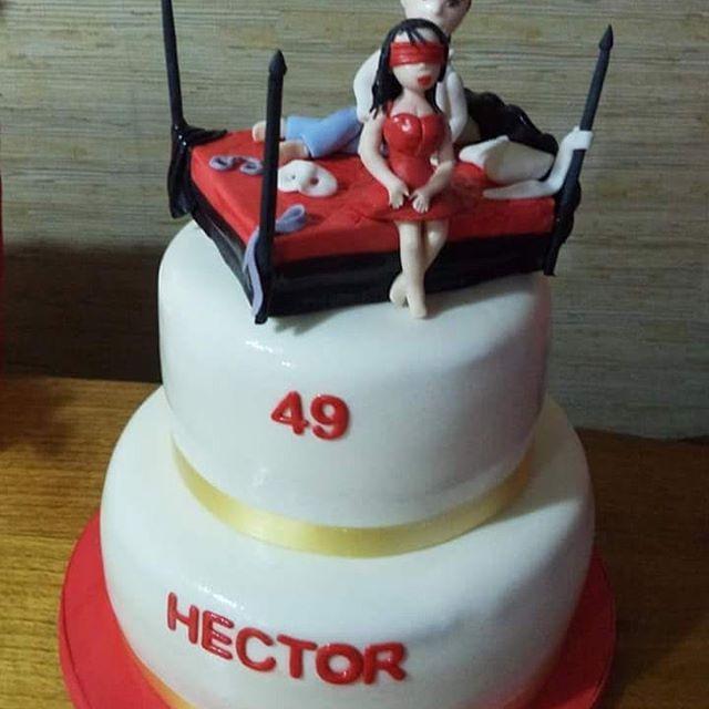 #50ShadesOfGrey #fondant #cake by Volován Productos #instacake #puq #Chile #VolovanProductos #Cakes #Cakestagram #SweetCake