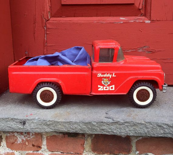 Vintage Buddy L Zoo Toy Truck