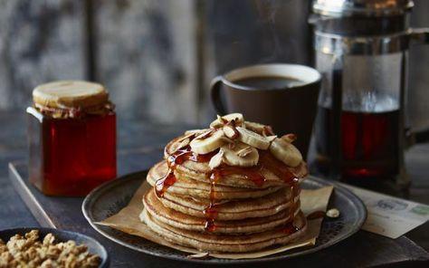 Banana pancakes als ontbijt! Gezond, caloriearm, proteïnerijk en lekker. Tante Flair gooide al jullie ontbijtwensen in amper 250 kcal. Ideaal!