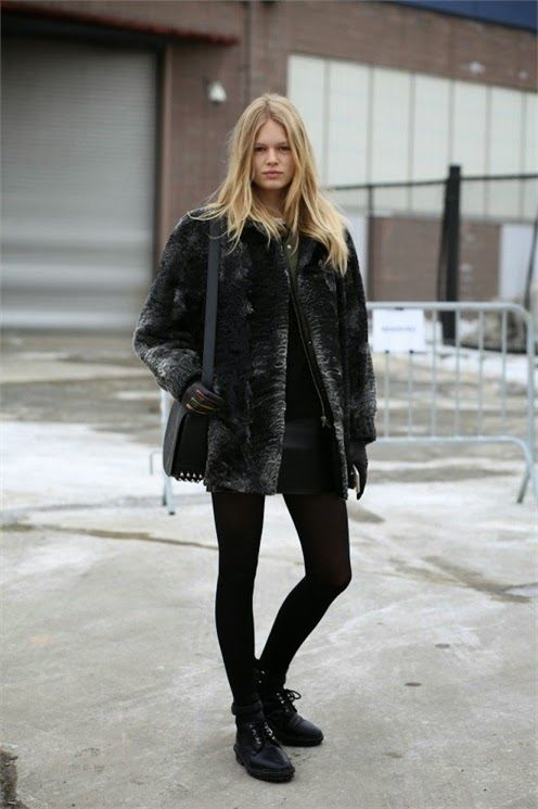 Model Street Style: Anna Ewers Wears Black