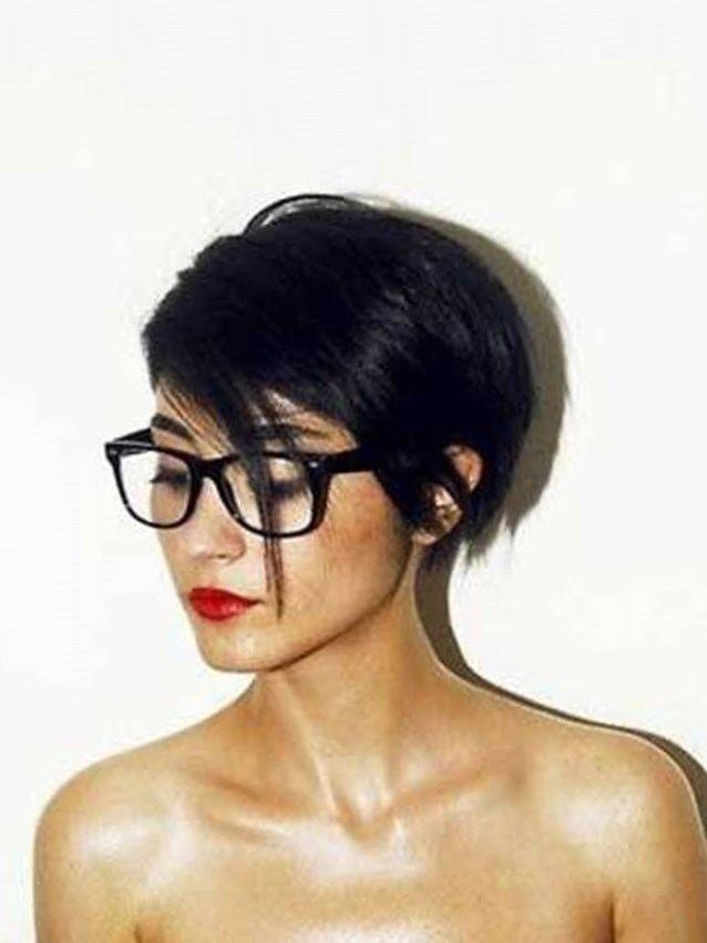 Cheveux courts femme - http://lookvisage.ru/cheveux-courts-femme/ #Cheveux…