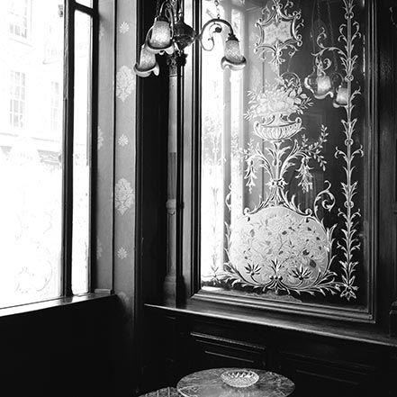 Material Matters: Glass #glass #london #mirror #rococo #ornate #glasswork #window #door #panel #pub
