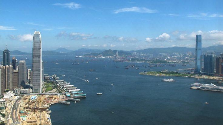 Modern International Finance Centre as the Hong Kong Island Landmark : International Commerce Centre & International Finance Centre