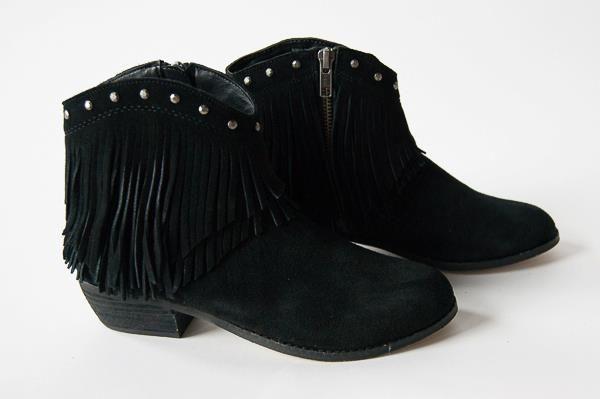 Minnetonka Bandera Boot $95 Sizes 5-10 (half and whole)