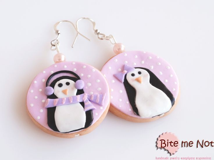 ''Penguin biscuits'' -Silver plated hook earrings decorated with pearl-like light pink beads! -Round biscuits covered with pink fondant and two penguin patterns! Sooo cute!