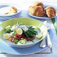 Groene aspergetips met ham en kwartelei - Top recept