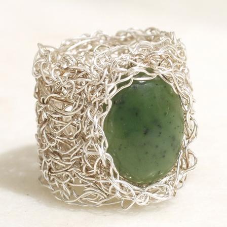 Crochet Wire Ring tutorial - Kate Pullen