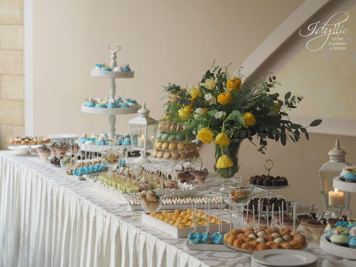 candy bar eveniment | candy bar personalizat galben si albastru | productie si design Idyllic Events