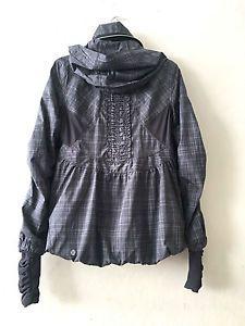 HTF Lululemon size 6 Run Hustle Jacket Hooded Rain Plaid likeNEW Waterproof