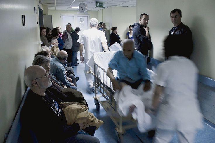 En Grèce, les hôpitaux manquent de tout
