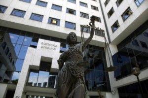 Παράνομες οι καθαρίστριες, νόμιμες οι κατασχέσεις…και οι δικαστικοί παίρνουν πίσω 150 εκατομμύρια