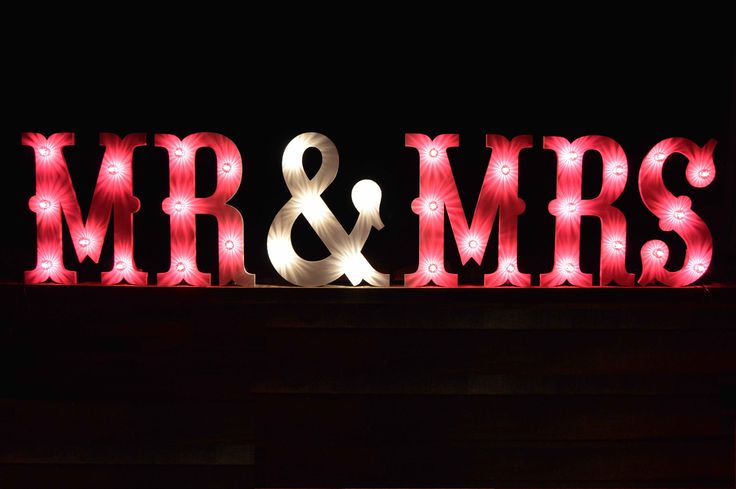 Hire our Circus font MR & MRS for your special event