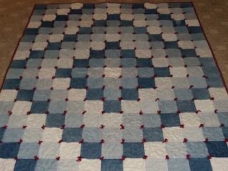 A jean quilt that looks more than just raggy - I like that this one has a design!