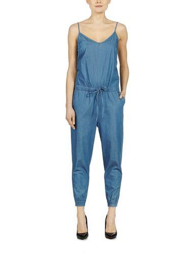 Calvin Klein Jeans haalarin ja muut brändin tyylikkäät asut löydät stockmann.com-verkkokaupasta. Tilaa jo tänään!