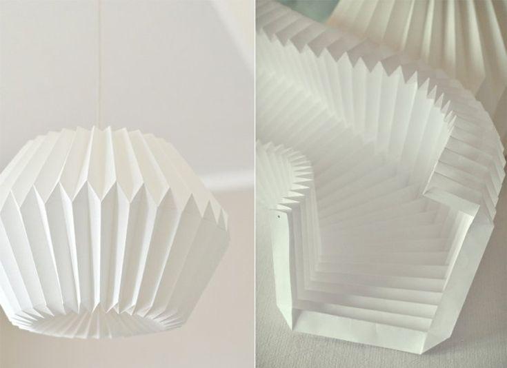 lampe origami en papier plié en accordéon - une idée romantique