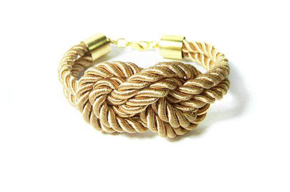 Nodo nautico d'oro bracciale, cordone di seta Beige dorato di marinai Knot bracciale, damigelle corda oro bracciale