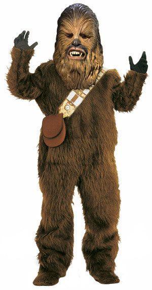 Chewbacca. Naamiaismaailman Chewbacca naamiaisasuun kuuluu karvainen haalari, näyttävä lateksinaamari, hanskat ja asun viimeistelee panosvyö pussilla. Tämä deluxe asu on lisensoitu eli aito. Olkoon Voima Kanssasi!