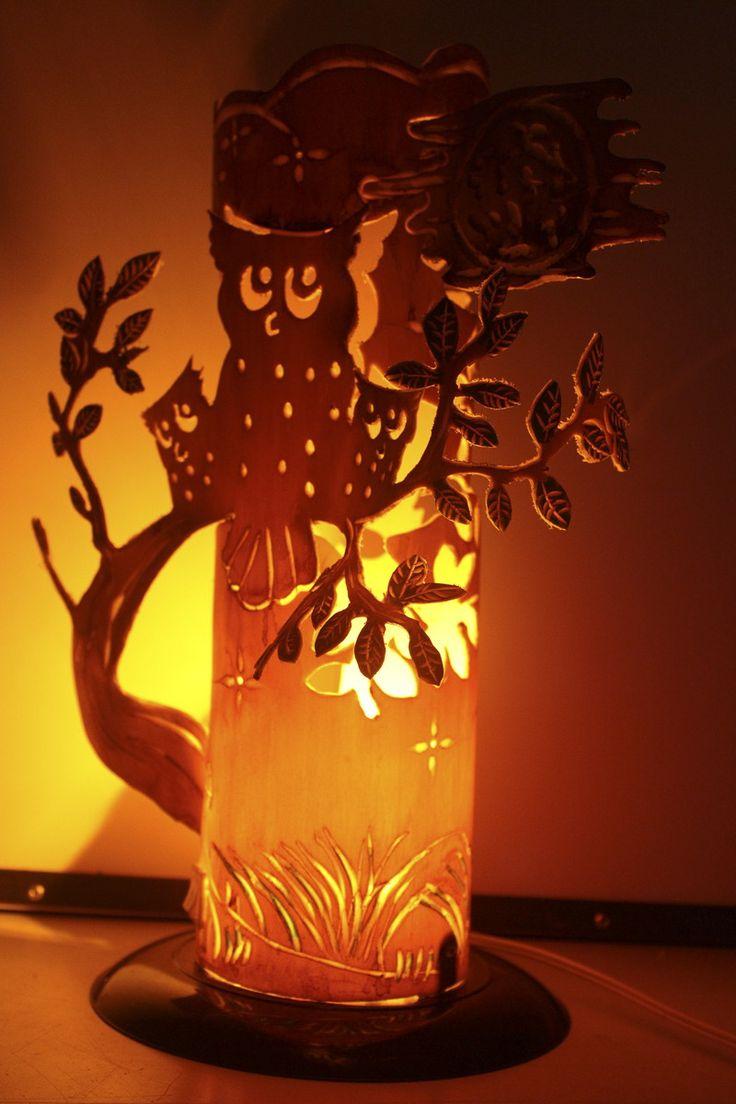 Luminaria feita com canos de PVC, esculpida artesanalmente, arte sustentavel