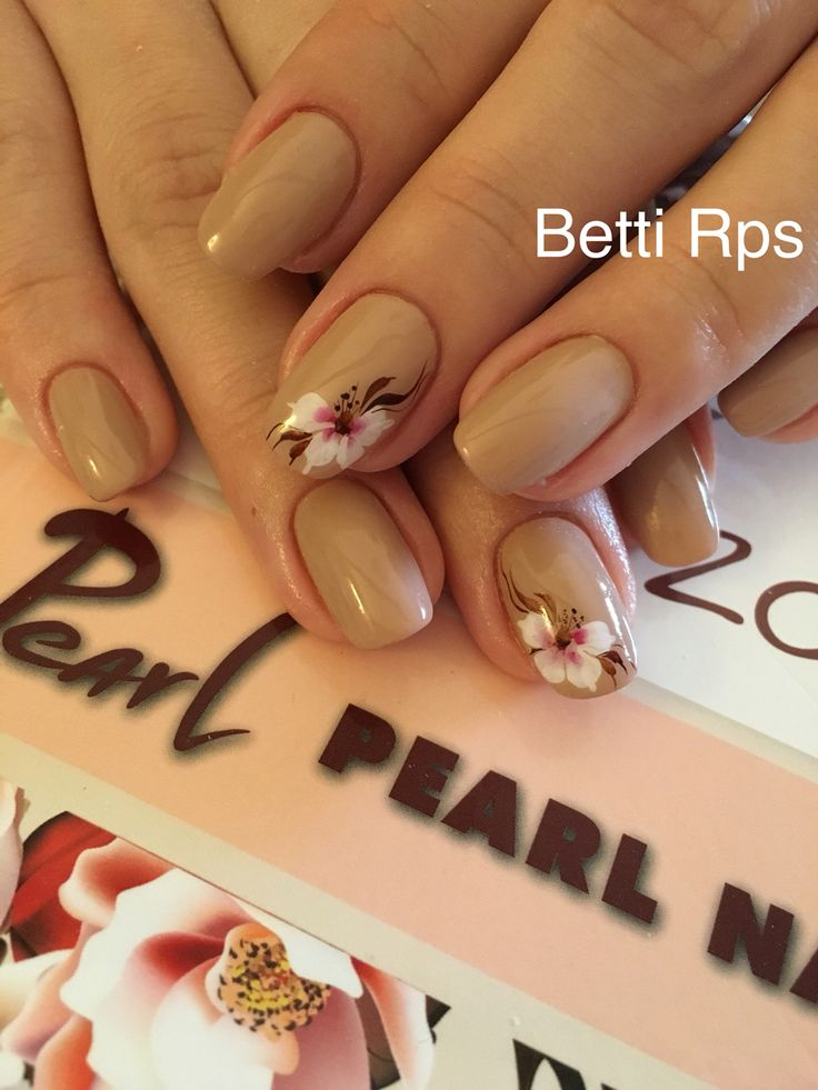 Nature flowers nails