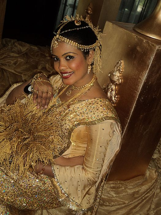Pabasaree Beauty Salon :: Salon and bridal dressing/ bridal bouquets/ wedding cake structures/ bridal wear and designing
