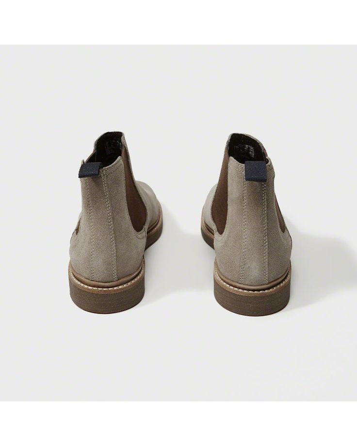 A&F Men's Clarks Desert Boot in Grey - Size 10.5