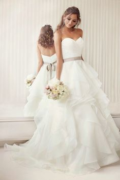 Fashion And Style: Elegantly Crafted Essense of Australia Wedding Dresses fashion inspiration and dreams of every girl