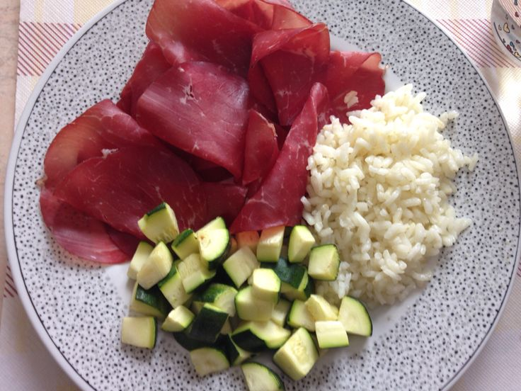 Bresaola, zucchini and rice for an healthy summer lunch