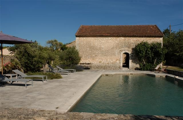 5 Bedroom Farmhouse in Oppede-le-Vieux to rent from £819 pw, with a private pool. Also with balcony/terrace.