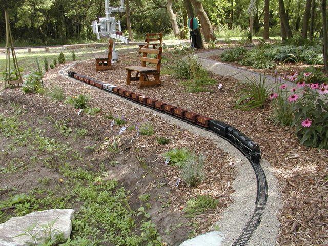 Garden Railroad, Long Consist. Unknown Location. #Gardening #GardenRailroad
