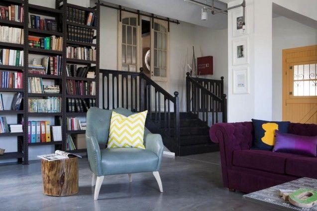 Living room - metal bookshelves - Industrial chic