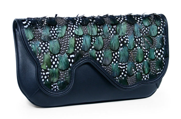 17 Best images about BOLSOS PLUMAS on Pinterest