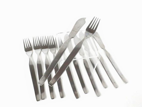 Midcentury Stainless Steel Retro Flatware, Fish Eaters, Vintage Viners Fish Knives & Forks, Retro Dining, Vintage English Cutlery
