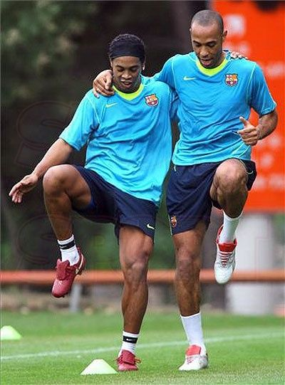 Libera tu energía, PRACTICA DEPORTES!!! Thierry Henry, Ronaldinho
