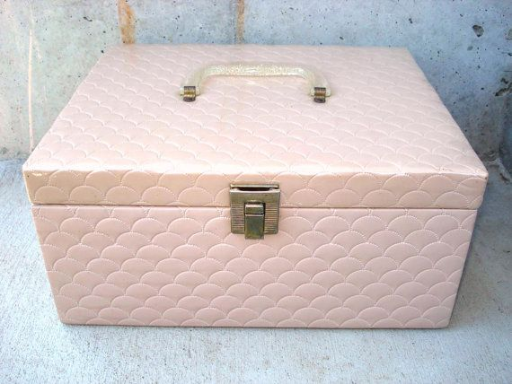 Vintage Vinyl Quilted Pink Beige Sewing by LkWhatTheCatDraggedN, $25.00