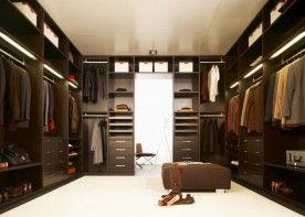 Garderoba jako odrębne pomieszczenie to bardzo wygodne rozwiązanie.   Zaletą garderoby jest przede wszystkim przestrzeń. Aby pomieszczenie spełniało wszystkie warunki, musi być odpowiednio wyposażone.  Wszystkie systemy zabudowy garderób składają się z modułów i elementów, których wybór, liczba i rozmieszczenie zależy od naszej decyzji.
