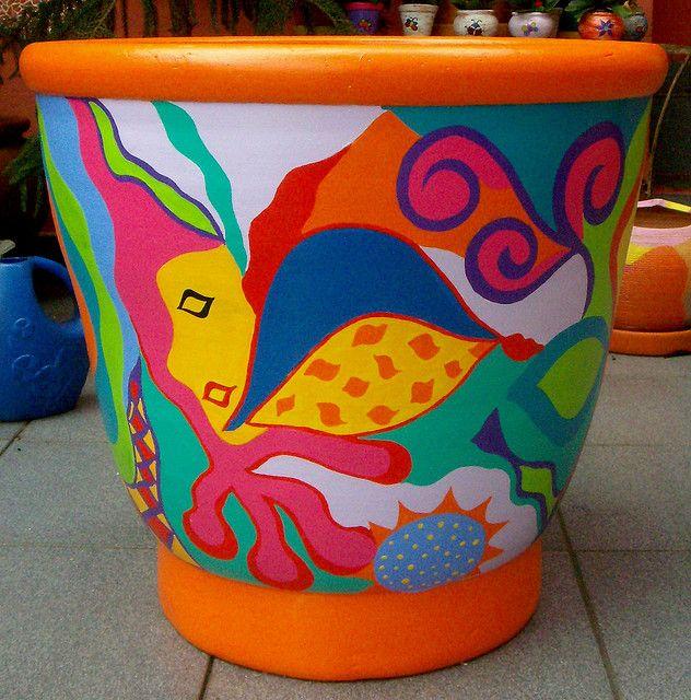 Vaso em Cerâmica Pintado à Mão by ALÉM DA RUA ATELIER/Veronica Kraemer, via Flickr