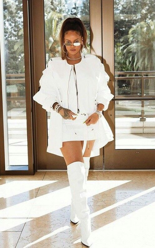 11dcd667d442  passionforfashion Rihanna Outfits