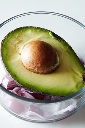 3 Ways to Keep an Avocado from Browning via @PureWow